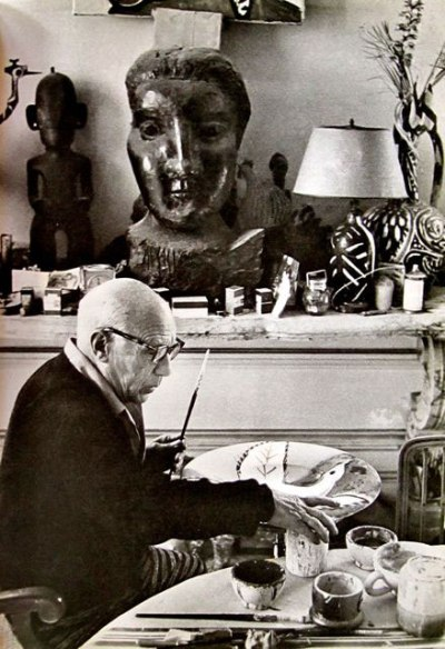 om pom picasso Picasso-In-His-Studio-Villa-La-Californie-11
