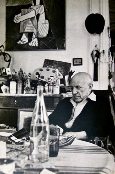 om pom picasso Picasso-In-His-Studio-Villa-La-Californie-12
