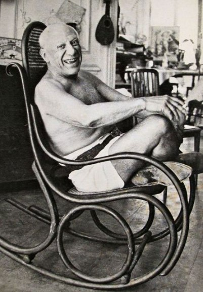 om pom picasso Picasso-In-His-Studio-Villa-La-Californie-15