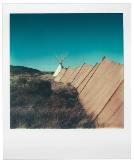om pom agnes martin Wind fence sculpture by agnes new mexico 1979