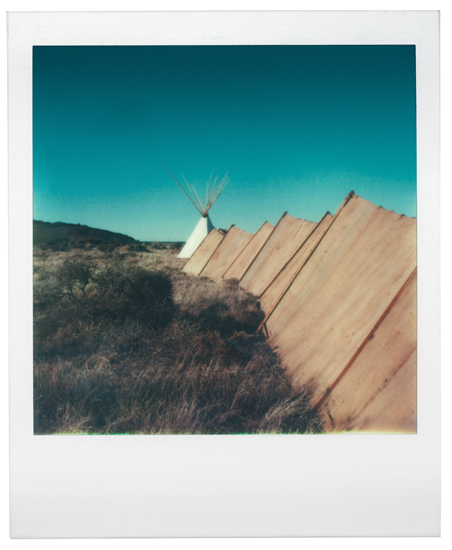 om pom agnes martin Wind fence sculpture by agnes new mexico 1979