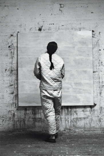om pom agnes martin working in her studio 1960