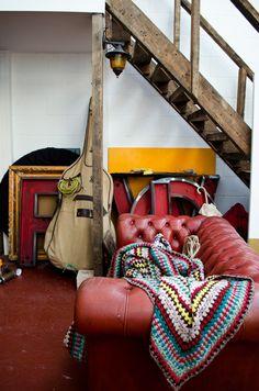 om pom masai house 2