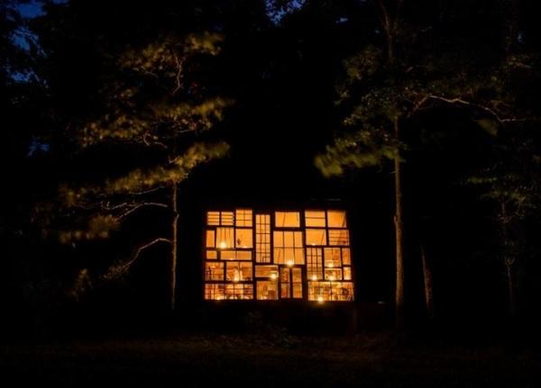 om pom glass cabin 6