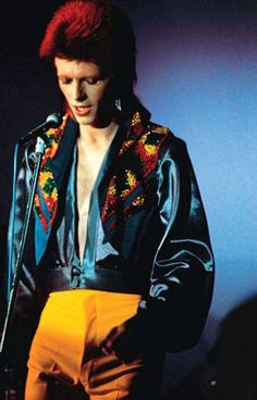 om pom david bowie fashion 10