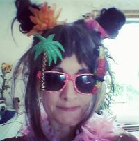 om pom me in parrot shades