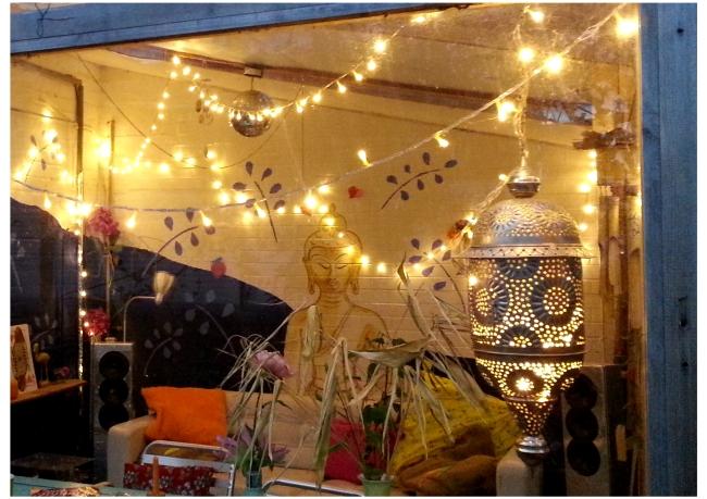 juskus-house-conservatory-at-night