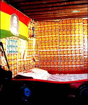 om-pom-african-shack-5