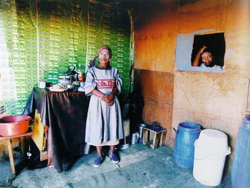 om-pom-african-shack-zwelethu-mthethwa